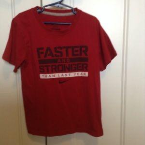 Boys size 7 Nike tshirt